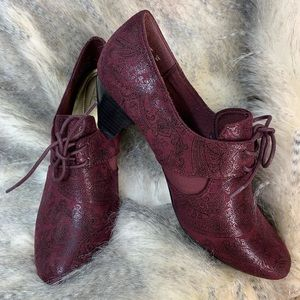 Soft Style, a Hush Puppies Co lace up booties
